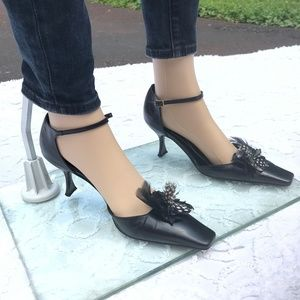 Kate Spade Black and White Feather Heels sz 8.5 B